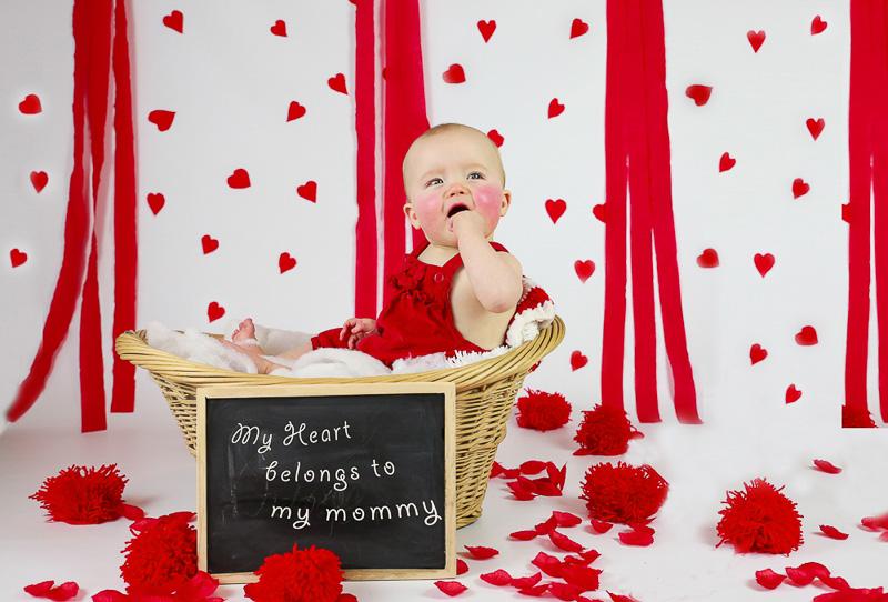 ایده عکس ولنتاین کودک با استفاده از سبد