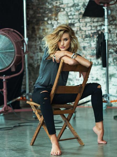 استایل نشسته عکاسی از زنان