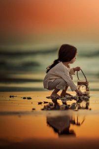 دختر بچه در ساحل_آتلیه کودک در تهران